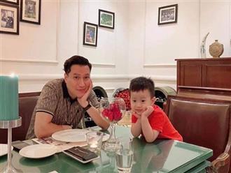 'Té ngửa' nghe Việt Anh tư vấn khi con trai nhỏ kể chuyện được bạn gái nắm tay tại lớp