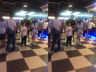 Tim và Trương Quỳnh Anh bị bắt gặp đeo khẩu trang che mặt cùng đưa con đi chơi