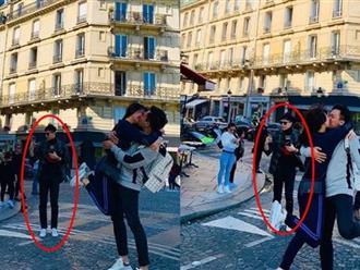 """Trấn Thành và Hari Won """"tình bể bình"""" ở Paris, nhưng Trịnh Thăng Bình mới là tâm điểm của loạt hình"""