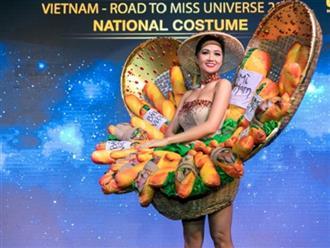 Váy 'Bánh mỳ' của H'Hen Niê được báo châu Á chú ý