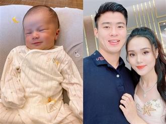 Ý kiến trái chiều việc Duy Mạnh đăng ảnh con trai 1 tháng tuổi chốt đơn cho mẹ