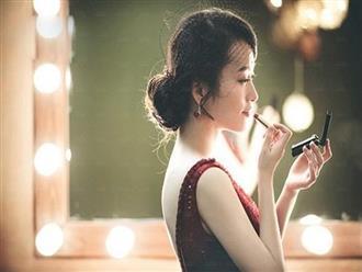 Đàn bà à, đừng khóc vì chồng nữa, hãy trở thành một người xinh đẹp và tự do