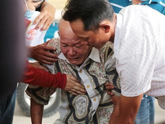 Lễ tang 6 người trong gia đình bị chết cháy: Người nhà nạn nhân khóc nghẹn 'cho tôi nhìn mặt lần cuối'