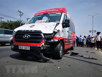 BRVT: Tai nạn với xe khách, 2 người ngồi trên xe máy tử vong tại chỗ
