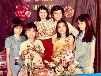 Hé lộ bức ảnh hiếm hoi của 3 chị em nghệ sĩ nổi tiếng showbiz Việt, nhiều người ngỡ ngàng vì sau khi lớn lên, có người trở thành vợ đại gia nổi tiếng