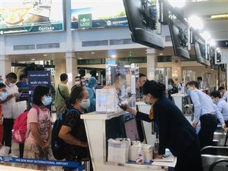 Người dân lũ lượt đi mua vé, đăng ký chờ để về quê vào giờ chót sau lệnh giãn cách TP.HCM