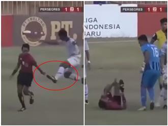 Cầu thủ rượt đuổi, tung cước 'choảng' trọng tài đến mức phải co giò chạy mất dép như trong phim hành động