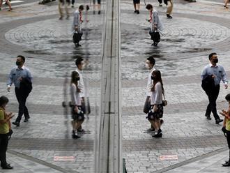 Chuyên gia bệnh truyền nhiễm Nhật Bản cảnh báo về mùa đông 'ác mộng'