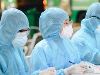 3 nữ nhân viên y tế từng lấy mẫu xét nghiệm ở quận Bình Tân bị nhiễm Covid-19, một Trạm Y tế ngừng hoạt động