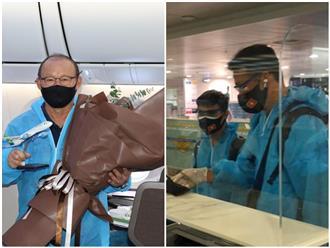 Máy bay chở đội tuyển Việt Nam từ UAE về nước có 2 ca mắc COVID-19