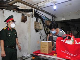 Quân đội trao trả tài sản, di vật cho gia đình người tử vong vì COVID-19 ở TP.HCM