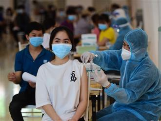 Tất cả trẻ em từ 12 - 17 tuổi sinh sống, học tập trên địa bàn TP.HCM dự kiến được tiêm vắc-xin ngừa COVID-19 từ 22/10