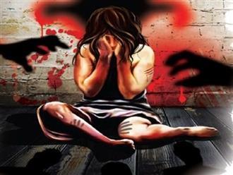 Bố đẻ qua đời vì ung thư, bé gái 12 tuổi và em gái 8 tuổi bị cha dượng cưỡng hiếp và tấn công tình dục