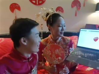 Chú rể là tiến sĩ đại học danh tiếng, cô dâu thử thách tân lang viết code ngay trong lúc đón dâu