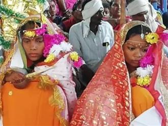 Hẹn hò với hai người phụ nữ suốt 4 năm, cuối cùng chàng trai đã được cho phép tổ chức đám cưới với hai cô gái trong cùng một hôn lễ