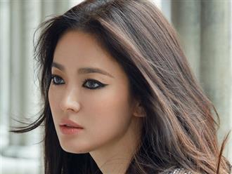 Song Hye Kyo khoe vẻ đẹp đầy ma mị sau khi ly hôn Song Joong Ki