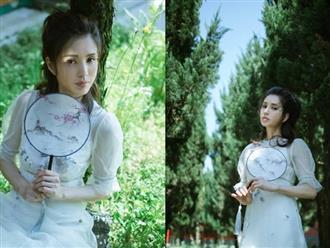'Tiểu Long Nữ' Lý Nhược Đồng khoe vẻ đẹp thoát tục ở tuổi U50