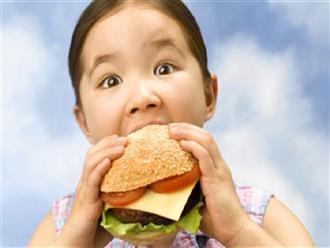 Các bé có cần kiêng thức ăn nhanh?