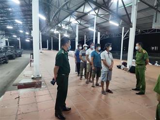 6 ngư dân đi bộ ven biển từ Đà Nẵng về Huế để trốn cách ly
