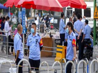 """""""Ác mộng"""" trở lại: Bắc Kinh bị phong tỏa một phần sau khi loạt ca nhiễm COVID-19 mới được phát hiện"""