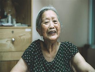 Bà cụ ly hôn vì chồng không chịu rửa bát: Dù ở tuổi nào thì ly hôn xong phụ nữ vẫn sướng như tiên