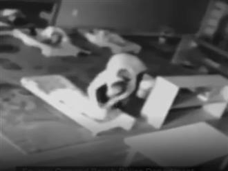 Clip gây phẫn nộ: Bảo mẫu đánh đập, quăng quật 4 đứa trẻ trong suốt 1 tiếng nghỉ trưa