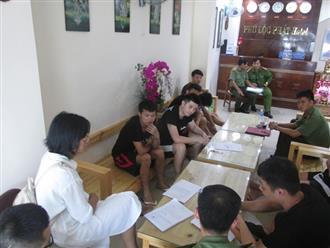 Bắt nhóm người Trung Quốc thuê nguyên khách sạn ở Đà Nẵng đánh bạc