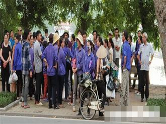 Hàng trăm công nhân bắt xe từ Thanh Hoá ra Hà Nội đòi lương và bảo hiểm