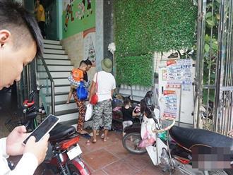 Bé 3 tuổi bị bỏ quên trên xe đưa đón ở Bắc Ninh thoát chết nhờ cửa hé 10cm