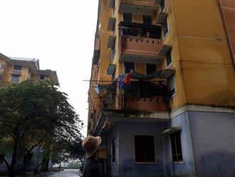 Huế: Bé gái 4 tuổi rơi từ cửa sổ tầng 3 chung cư, trên tay vẫn nắm chặt con búp bê