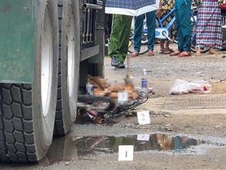 Bé gái lớp 4 bị xe tải tông tử vong trên đường đi học về: Sách vở vương vãi khắp nơi, người nhà khóc ngất bên thi thể