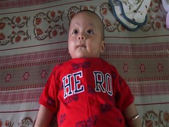 Cư dân mạng chung tay tìm người thân cho bé trai bụ bẫm bị cha mẹ bỏ rơi