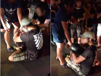Hà Nội: Bị bắt quả tang ngoại tình, chồng ôm chặt bồ nhí nằm xuống đường mặc kệ vợ con gào khóc