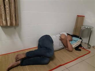 Bức ảnh chồng đi nuôi vợ đẻ nhưng nằm ngủ say mặc con khóc, vợ đau gây tranh cãi trên mạng xã hội