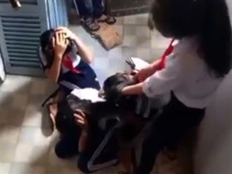 Buộc thôi học 2 nữ sinh đánh bạn rồi quay clip đăng Facebook