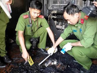 Camera chỉ rõ, người hàng xóm phóng hỏa giết cả gia đình ở Đà Lạt