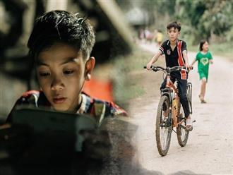 """Được tặng thêm một chiếc xe đạp mới sau câu chuyện """"vượt 100km thăm em"""", cậu bé 13 tuổi nhường lại cho bạn khó khăn hơn"""