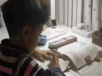 Bức thư tuyệt mệnh của cậu bé 9 tuổi nhảy lầu tự tử khiến nhiều phụ huynh thức tỉnh: 'Mẹ, con thực sự rất mệt mỏi'