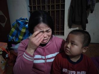 """Câu hỏi của con trai 7 tuổi mắc bệnh ung thư máu khiến người mẹ khóc nghẹn: """"Nếu bán nhà thì mẹ con mình ở đâu hả mẹ?"""""""