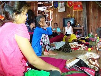 Khánh Hòa: Người thân đau khổ gào khóc bên thi thể 4 em nhỏ chết đuối trong ao trước nhà