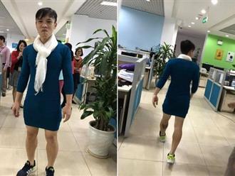 Nói là làm, chồng mặc váy của vợ đi làm cả ngày sau khi U23 Việt Nam thắng trận bán kết