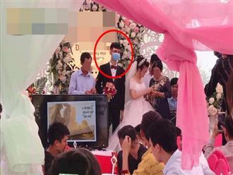 Không phải Ông Cao Thắng, đây mới là chú rể gây xôn xao MXH nhiều giờ qua: Bịt khẩu trang kín mít ngay trong lễ cưới