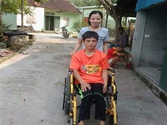 """Chuyện tình cổ tích của người chồng liệt 2 chân và vợ mù: """"Em sẽ làm đôi chân cho chồng để đi hết cuộc đời còn lại"""""""