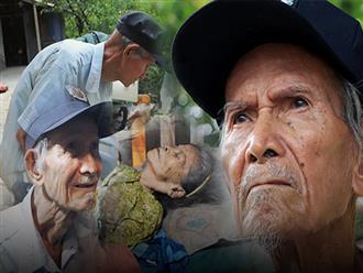 Chuyện tình sâu đậm của ông cụ 85 tuổi, hàng ngày đi lượm ve chai, bán vé dò nuôi vợ liệt giường