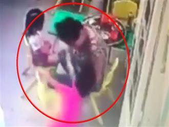 """Clip: Bảo mẫu dùng tay """"liên hoàn tát"""" vào mặt bé gái 3 tuổi tại trường mầm non ở Sài Gòn"""