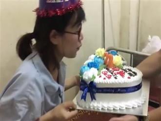 Clip chồng tổ chức sinh nhật cho vợ vừa sinh trong bệnh viện khiến nhiều chị em ghen tị