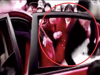 Clip chú rể thô bạo lôi cô dâu khỏi xe hoa, biết được nguyên nhân ai cũng đứng về phía chàng trai