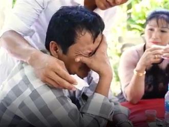 Clip khiến hàng triệu chị em rưng rưng: Người cha khóc nức nở trong đám cưới con gái
