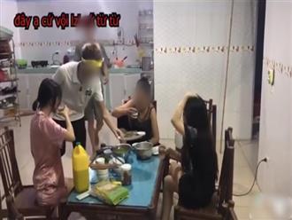 Clip mẹ chồng cùng 2 con dâu ngồi nhậu, bắt con trai nấu nướng phục vụ gây tranh cãi