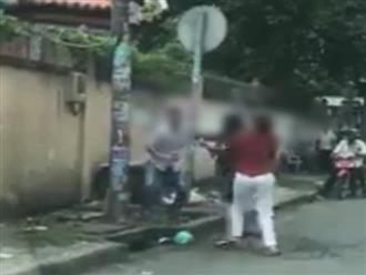 Xô xát sau va chạm giao thông, người đàn ông tháo chạy khi bị 2 phụ nữ đuổi đánh trên phố